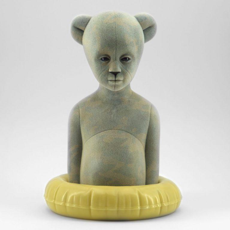Polar Kid, Military, 2020, Sculpture – Resin, flock, 30.0 × 21.0 × 19.5 cm.